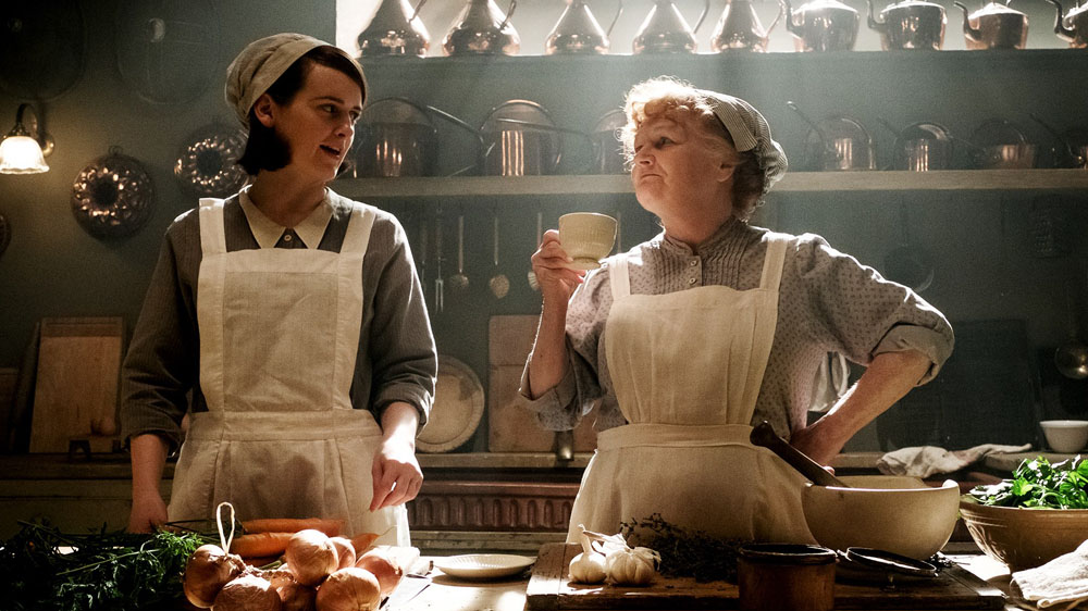 Downton Abbey\' creator reveals hilarious fact about Mrs ...
